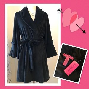 Betsey Johnson Velour Robe NWT size M 🌸